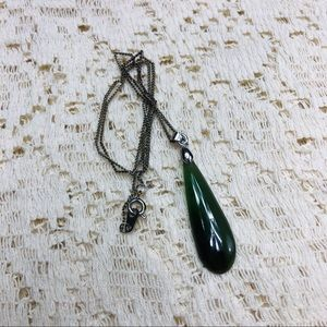 LAST CHANCE💋Faux jade teardrop necklace